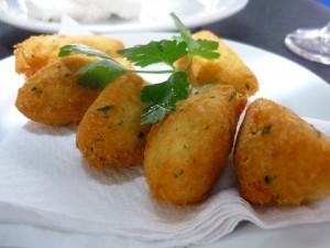 pasteis-de-bacalhau-cofish-fritters