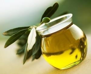 prodotti-tipici-italiani-olio-extravergine-doliva